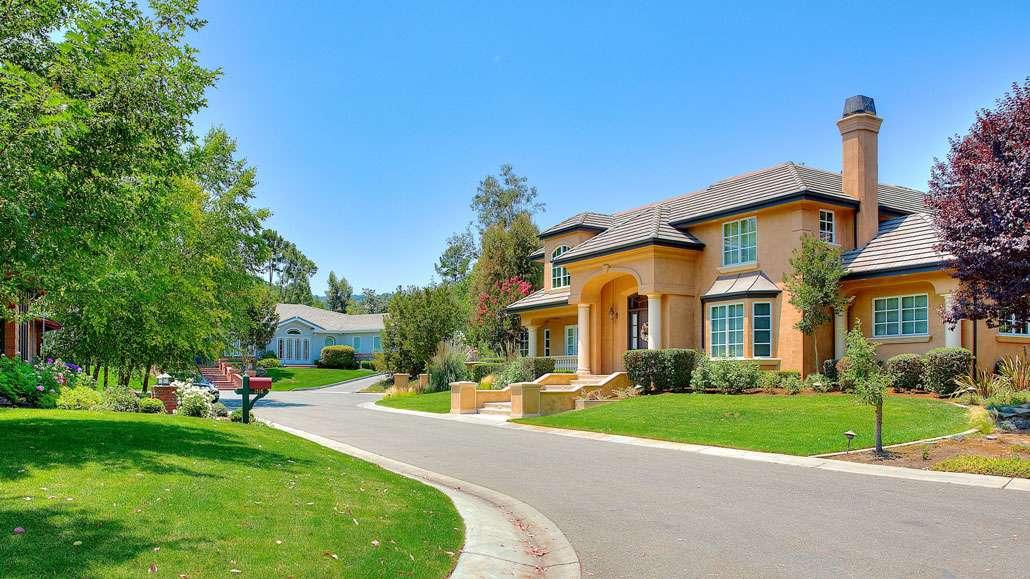 Country Club Los Altos Real Estate