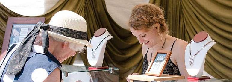 arts-crafts-jewelry-booth-lg